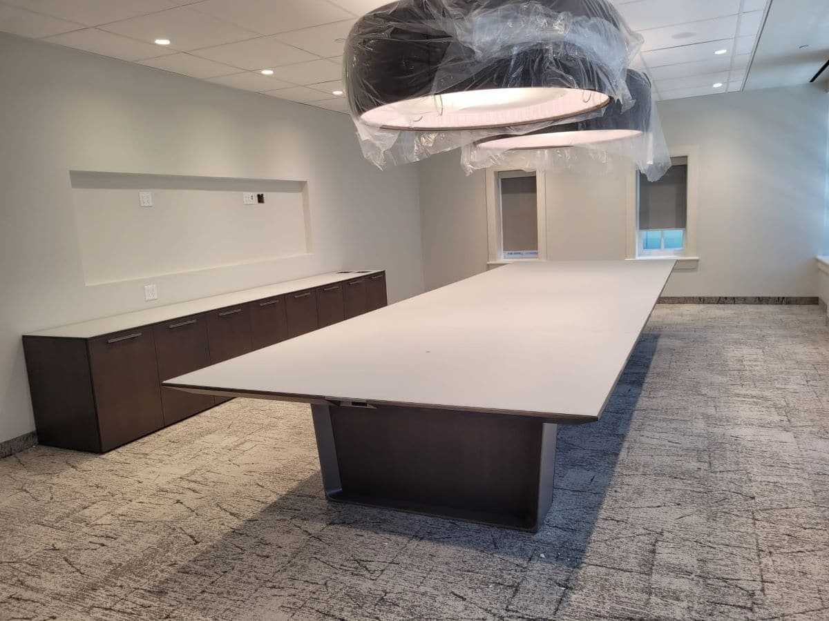 Boardroom and meeting room furniture, image 1