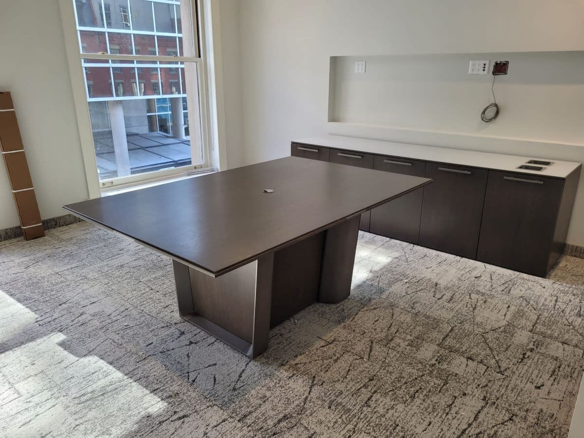 Boardroom and meeting room furniture, image 3